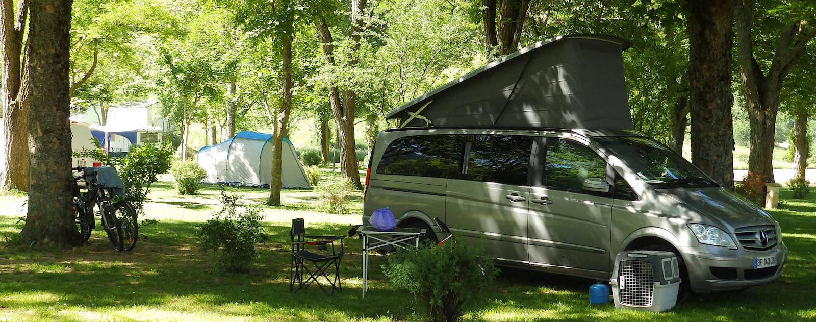 plan camping camping le tivoli mende au coeur de la loz re 48. Black Bedroom Furniture Sets. Home Design Ideas